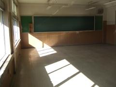 空っぽになった教室